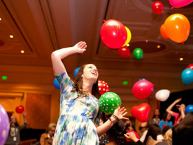 Alt-Summit-2013-Balloon-Party-with-Katie-Soloker-One-Little-Minute-Blog-(1)