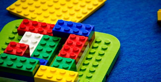 レゴで作るウェルカムボードで 結婚式二次会の受付を楽しくしよう♡
