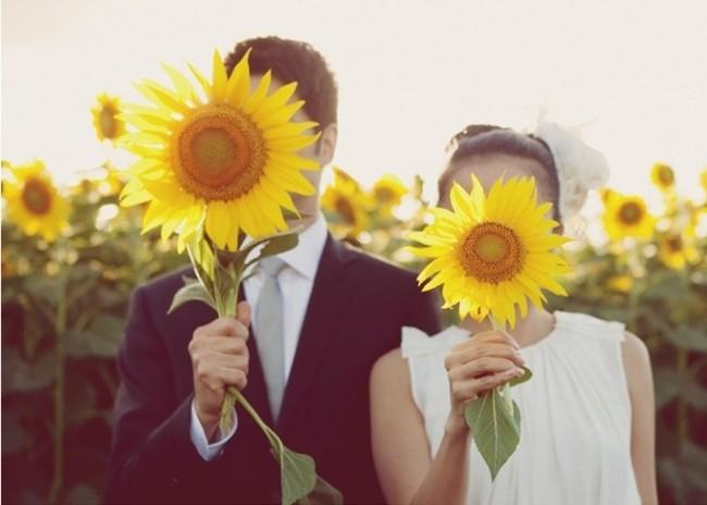 ひまわりのウェディンググッズで夏の結婚式二次会をもっとハッピーに!