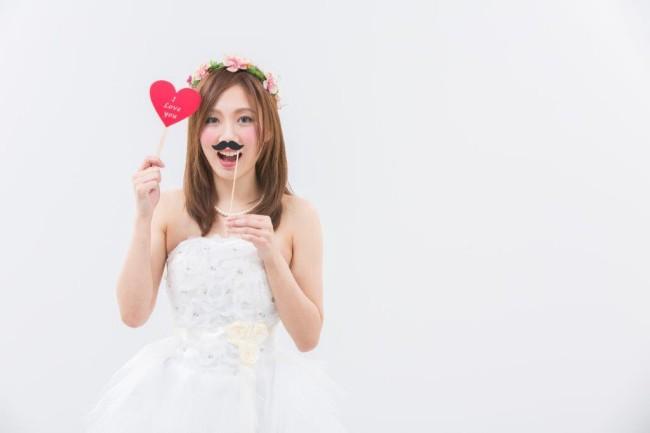 30結婚式や二次会の写真を楽しく撮影するアイテムを紹介!2