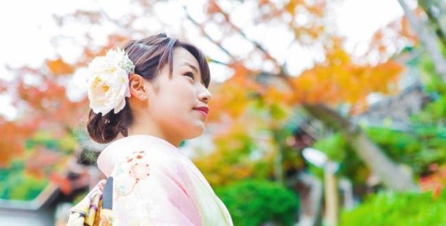 5結婚式(披露宴)と二次会で着るドレスには違いがある?1