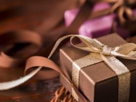 99結婚式の二次会でもらったプレゼントやご祝儀にお返しは必要?