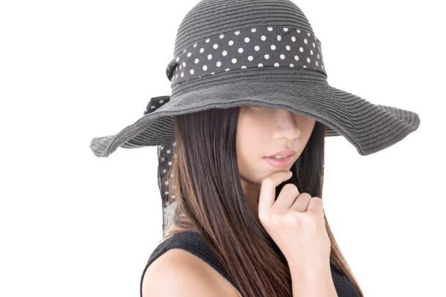 142帽子ファッションは二次会のマナーとしてアリ?2