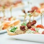 結婚式二次会は立食と着席どちらが人気?