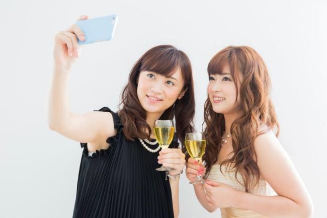 結婚式二次会での新郎側の女性ゲスト、あり?なし?