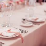 結婚式の披露宴と結婚式二次会の会場は同じでも問題ない!?