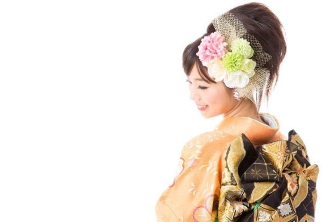 135二次会での新婦の着物は振袖と訪問着どちらが適切?2