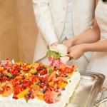 結婚式二次会のケーキ入刀のタイミングはいつがいい?ケーキの大きさはどのぐらいにする?