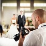 結婚式二次会で専属カメラマンは必要?その際の相場は?