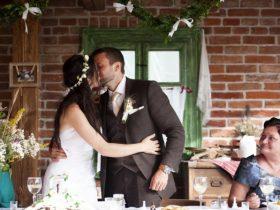 結婚式二次会の中締め。挨拶は誰がどんなことを話したらいい?