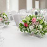 披露宴で使った花を結婚式二次会でも使うってあり?