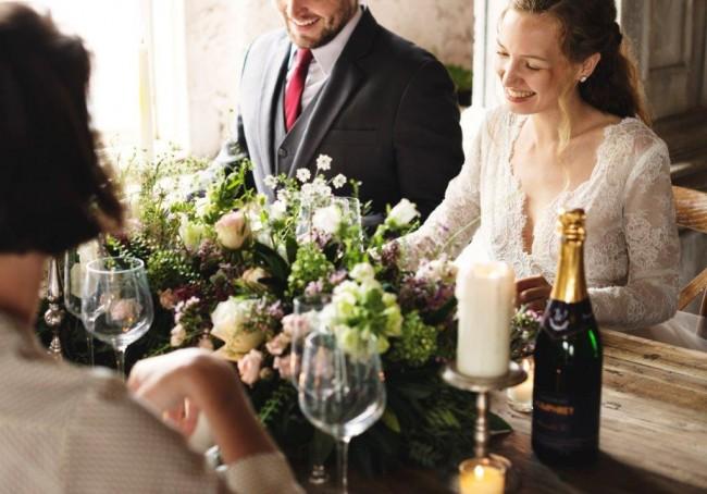 6db6ad967f4c9 結婚式二次会に勤務先の社長まで呼ぶべき?