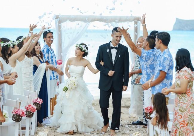 リゾート婚の二次会は?会場や日程はどう決める?