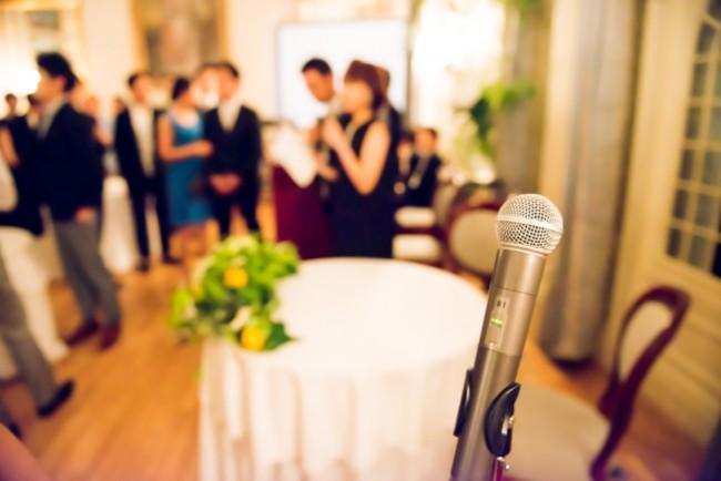 面白いトークは必要?結婚式二次会の司会になったら押さえておきたいポイント