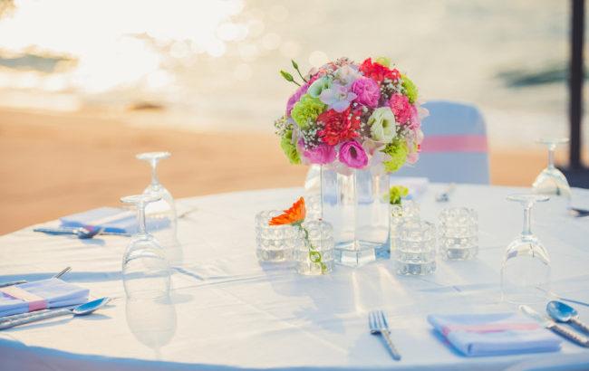 幹事さん必見!<予約サービス別>結婚式二次会会場のプランを徹底比較