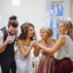 結婚式二次会で盛り上がるゲーム「名前ビンゴ」の司会台本を紹介!