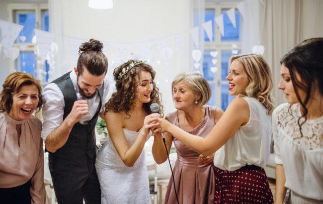 結婚式二次会で盛り上がるゲーム「名前ビンゴ」の司会台本を紹介!_1