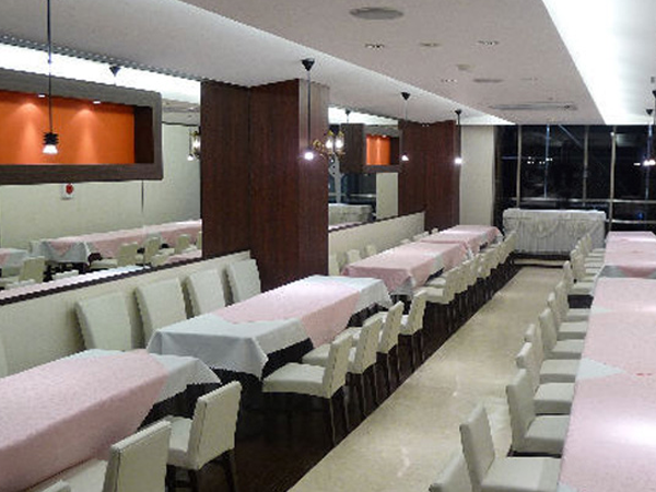 Party Dining Cherry Blanco (4F)